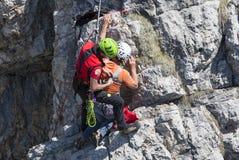 Rescate en la montaña de dolomías, Italia Imagen de archivo libre de regalías