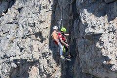 Rescate en la montaña de dolomías, Italia Foto de archivo libre de regalías
