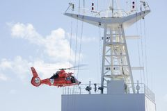 Rescate médico en el mar Imágenes de archivo libres de regalías