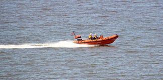 Rescate real del mar del bote salvavidas de la marina de guerra Imagen de archivo