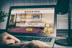 Reserva del negocio de la búsqueda del viajero del viaje del hotel de la reservación fotografía de archivo
