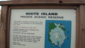 Reserva escénica privada n Nueva Zelanda de la isla blanca del soporte de la información almacen de video