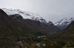 Reserva nacional de RÃo Blanco, Chile central, un alto valle de la biodiversidad en Los los Andes fotografía de archivo libre de regalías
