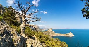 Reserva natural del soporte Karaul-Oba, Crimea, ciudad de Sudak, costa del Mar Negro Imagenes de archivo