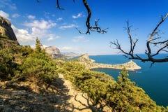 Reserva natural del soporte Karaul-Oba, Crimea, ciudad de Sudak, costa del Mar Negro Imagen de archivo libre de regalías