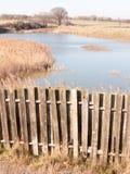 Reserva natural do feltro de lubrificação de Fingringhoe fora do campo do país aberto do espaço do fundo da paisagem imagem de stock