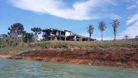 Reservatório bonito colombiano de guatape fotografia de stock