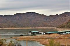 Reservatório de Bartlett Lake, Maricopa County, estado do Arizona, opinião cênico da paisagem do Estados Unidos foto de stock royalty free