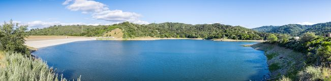 Reservatório de Stevens Creek, montanhas de Santa Cruz fotografia de stock royalty free