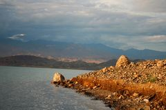 Reservatório de Toktogul Fotografia de Stock
