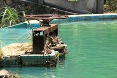 Reservatório & fechamento claros da água imagens de stock royalty free
