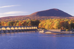 Reservatório no por do sol, Catskill Forest Preserve de Ashokan, New York Foto de Stock Royalty Free