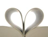 Reserve con las paginaciones abiertas y la dimensión de una variable del corazón imagenes de archivo