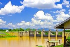 Reservoir op plattelandsgebied van Thailand Stock Afbeeldingen