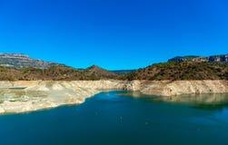 Reservoir Pantano de Siurana, Tarragona, Ισπανία Διάστημα αντιγράφων για το κείμενο στοκ εικόνες