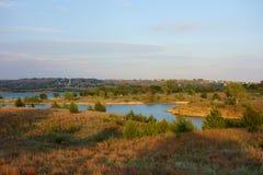 Reservoir van Wilson Lake in Kansas bij Zonsondergang stock foto's