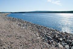 Reservoire da água - represa da planta de energias hidráulicas imagem de stock royalty free