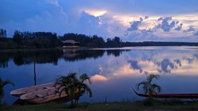 Reservoirs en de boten Royalty-vrije Stock Foto