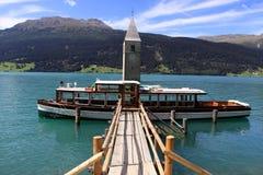 resia kościelny jeziorny wierza fotografia royalty free