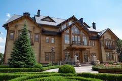 A residência anterior da ex-presidente de Ucrânia, Mezhyhi Foto de Stock