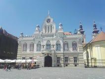 Residência sérvio do ` s do bispo em Union Square, Timisoara, Romênia imagem de stock