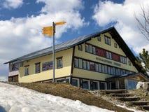 Residencial de Ebenalp, restaurante Ebenalp da montanha ou Berggasthaus Ebenalp na cordilheira de Alpstein e no Appenzellerland fotografia de stock royalty free