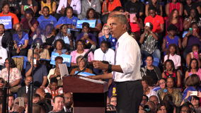Residente de la reunión de los E.E.U.U. Barack Obama con los estudiantes de la universidad del monumento de la Florida almacen de metraje de vídeo