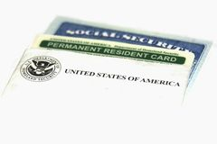 Residente permanente e cartões de segurança social imagem de stock