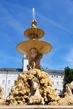 Residenz fontanna w Salzburg zdjęcia stock