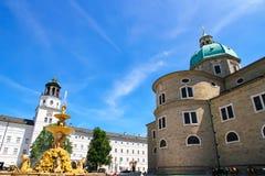 Residenz fontanna w Salzburg obrazy royalty free