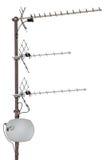Residenziale delle antenne di comunicazione della TV isolato Fotografie Stock