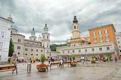 Residenzplatz fyrkant i Salzburg, Österrike. Royaltyfri Foto