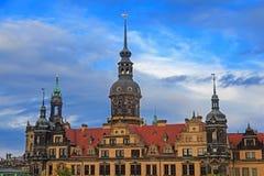 Residenzschloss (城市宫殿)在有多云天空的德累斯顿 免版税库存照片