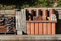 Residui dei blocchi e ceramici in rottamaio Fotografie Stock