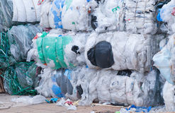 Residui di plastica riciclati messi Fotografia Stock Libera da Diritti
