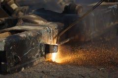 Residuo per il taglio di metalli con il saldatore del gas Fotografie Stock Libere da Diritti