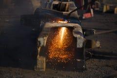 Residuo per il taglio di metalli con il saldatore del gas Immagini Stock Libere da Diritti