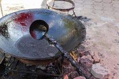 Resina de goma en la cacerola Imagen de archivo libre de regalías