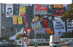 RESISTENCIA DEL PARQUE DE TAKSIM GEZI, ESTAMBUL. Imagen de archivo