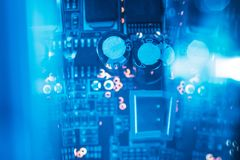 Resistores do capacitor dos componentes eletrônicos do PWB imagens de stock