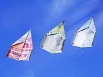 Resning för Swiiss francpengar i luften Royaltyfri Fotografi