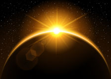 Resningsol bak planeten Royaltyfri Foto