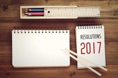 2017 resoluciones en el fondo de papel del cuaderno Imagenes de archivo