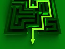 Resolvendo Maze Shows Puzzle Way Out Imagens de Stock