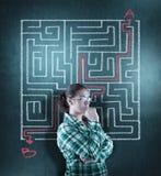 Resolvendo o labirinto fotos de stock royalty free