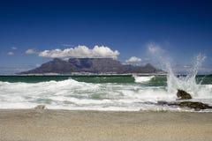 Resorte de la montaña del vector Fotos de archivo libres de regalías