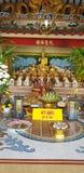 Respect de salaire au Bouddha image stock