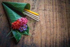 Respect thaïlandais d'étudiants à leur professeur Images stock