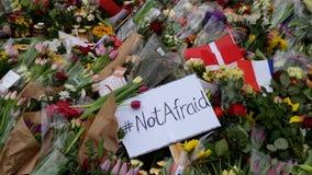 Respecto de las flores del ataque terrorista del tiroteo de Copenhague Dinamarca Fotos de archivo libres de regalías