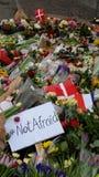 Respecto de las flores del ataque terrorista del tiroteo de Copenhague Dinamarca Foto de archivo